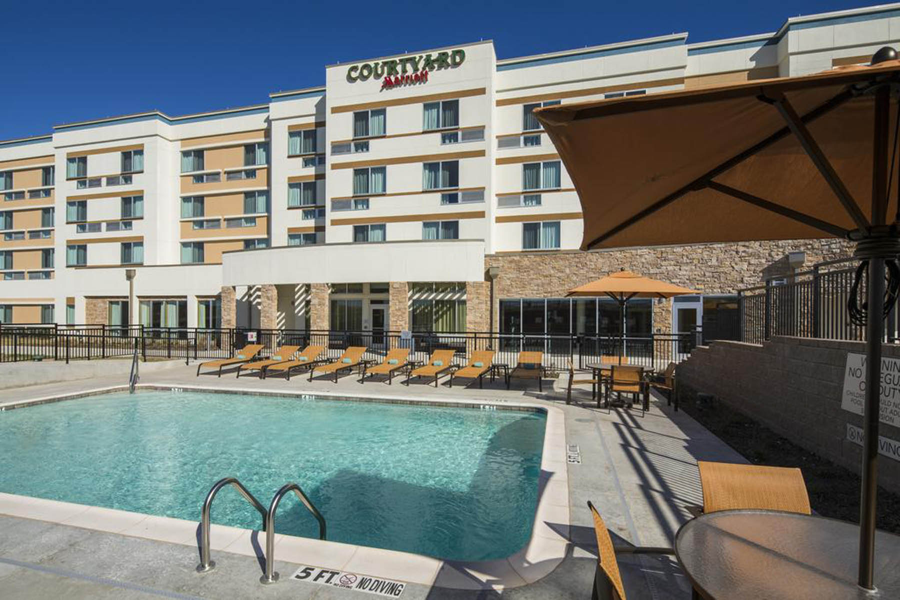 Courtyard by Marriott Midlothian TX Outdoor Pool