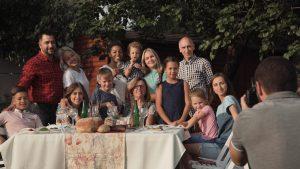 plan a summer family reunion